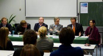 """Table Ronde: """"Vivre et travailler sans frontières : défis socio-culturels""""   -oct.2013"""
